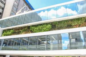 jardim-vertical-em-altura-empresarial